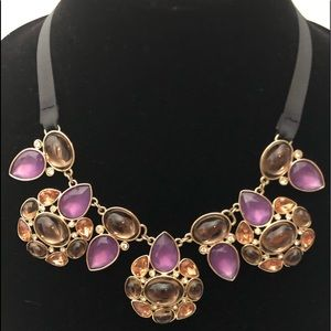 Statement necklace, bracelet with 2 pair earrings